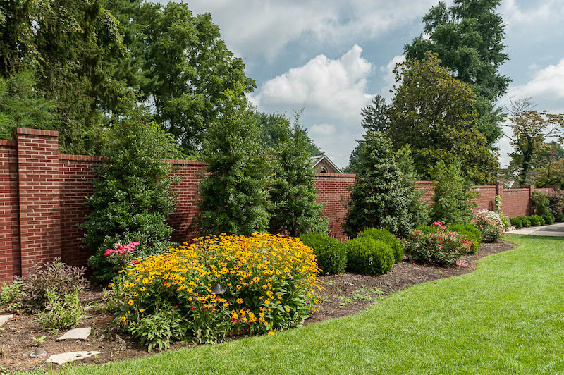 When searching for garden designers in Lexington, KY, contact the landscape professionals at R.W. Thompson Landscaping.